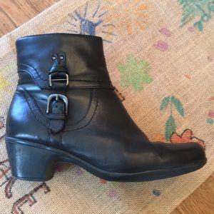Clarks Boots Black Size 8 Narrow